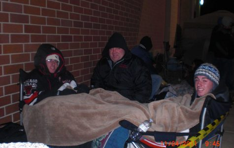 Elam Twins Camp Out Two Nights at Best Buy