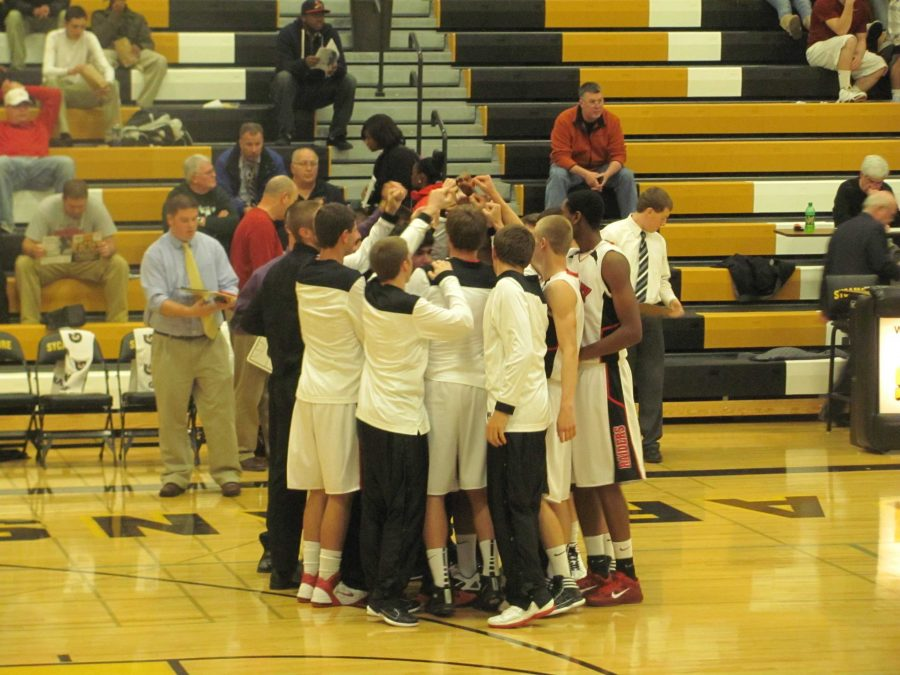 Boys+basketball+picks+up+first+win+of+the+year