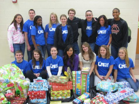 Huntley High School's Freshmen Class and Link Crew Raise Over $3,200 for Holiday Charity
