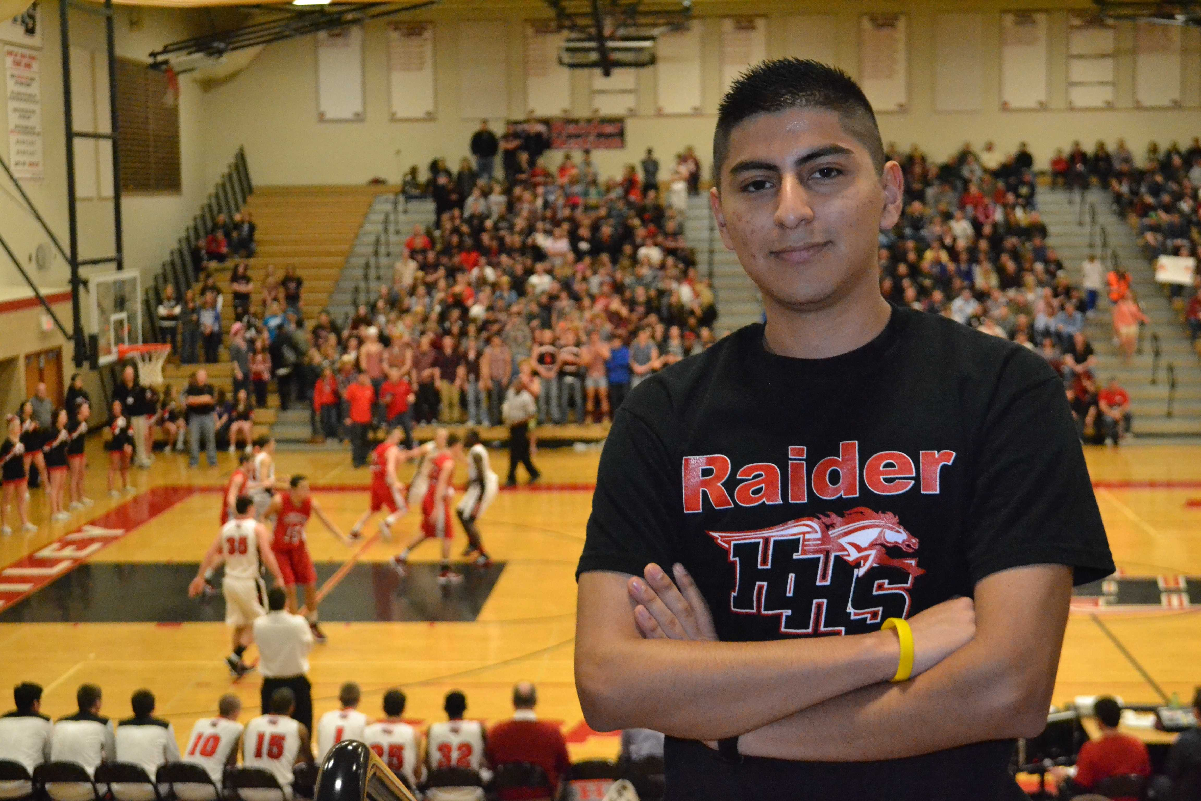 Junior Roger Alverado manages the team proudly on and off the court (M. Krebs).