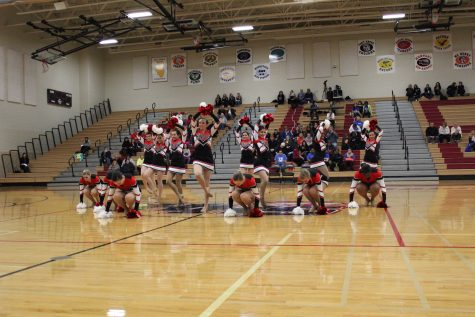 Poms qualifies for state at Winter Invitational