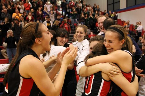 [GALLERY] Raiders poach Tigers, advance to state semifinals