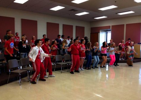 """Huntley students bring """"High School Musical"""" to life"""