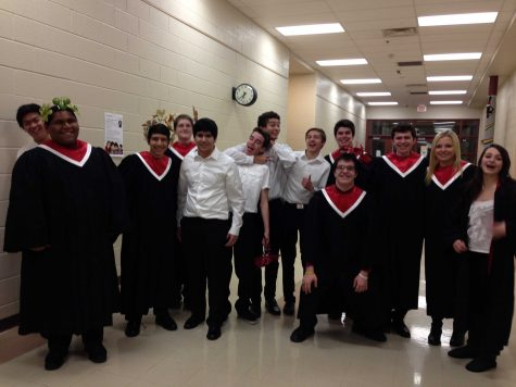 Huntley choir sings in the season