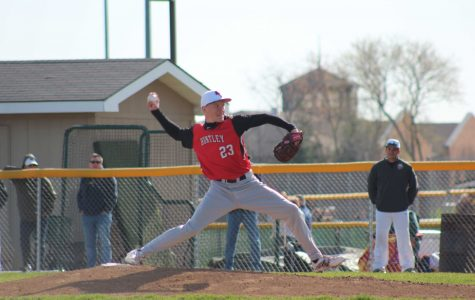 Huntley falls to Jacobs in pitchers duel