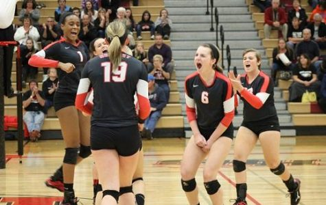Taking it in two: Volleyball wins first regional match against Jacobs