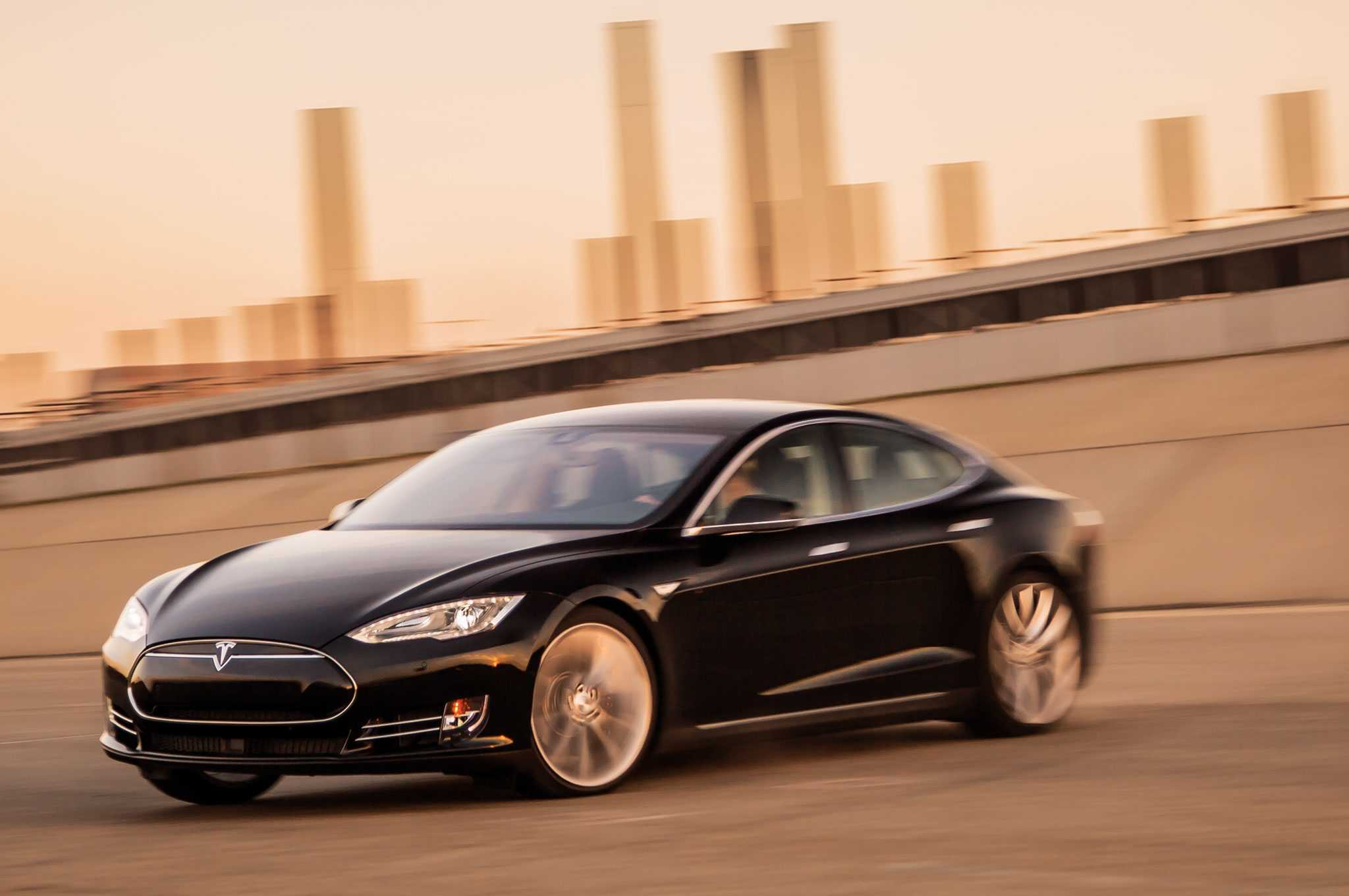 The Electric 2015 Tesla Model S