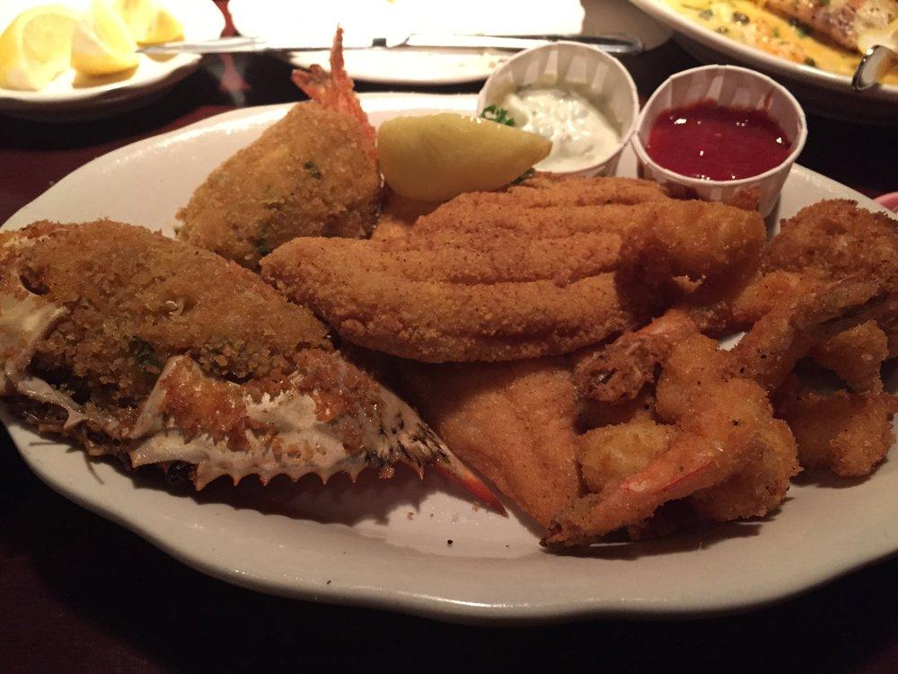 Pappadeaux Seafood Kitchen offers many assortments of food options (M. Iqbal).