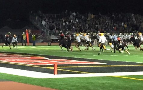 Huntley Narrowly Wins Homecoming