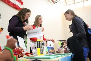 Junior Iva Vucic visits the foreign language booths