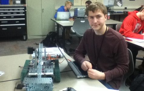 Engineering Academy inspires HHS students