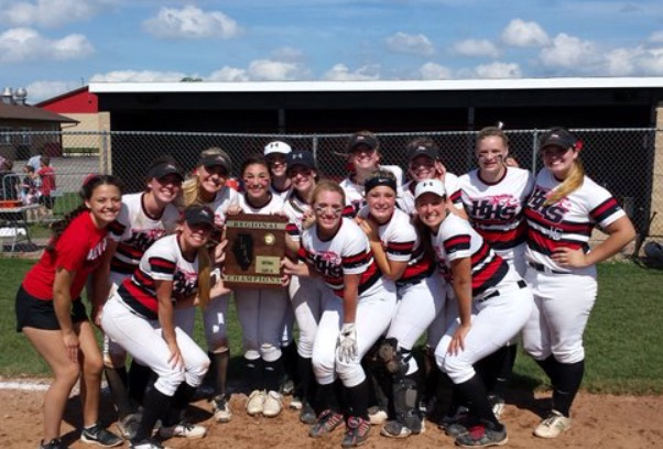 Huntley varsity softball celebrates their Class 4A Regional Championship after defeating Harlem 5-1 (Courtesy of @HHSSoftball Twitter).