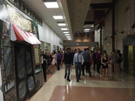 HHS hosts annual Homecoming dance