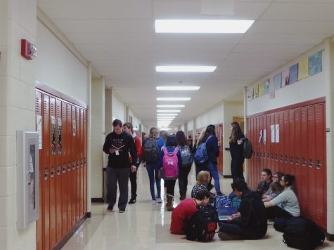 Students crowding the hallways during school. Photo courtesy of Emily Kindl.