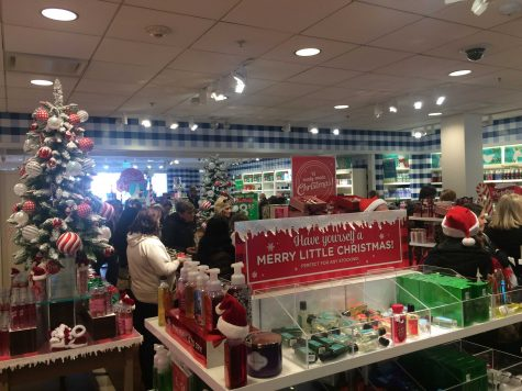 Christmas shoppers at Bath & Body Works this holiday season. Photo courtesy of Emma Kubelka