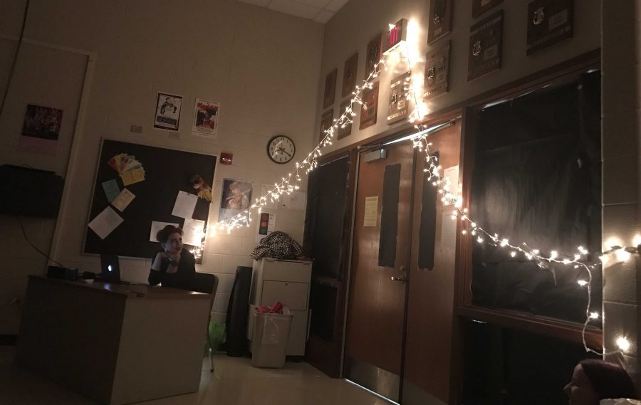 Choir+room+decorated+for+One+Acts+%28M.+Barr%29.