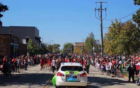 HHS kicks off homecoming week with annual parade