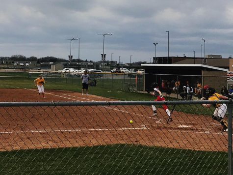 Huntley Varsity Softball Plays Close Game Against Jacobs
