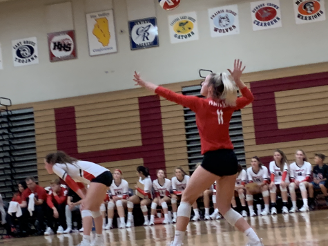 Huntley volleyball wins speedy match against Hampshire