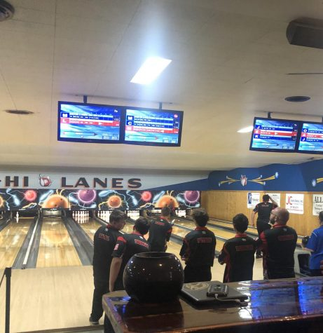 Boys bowling is victorious over Larkin