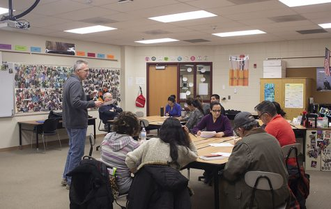 Conversation English class for ESL families overflowing with advantages