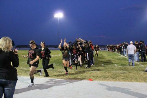 Powderpuff: Lycos, seniors roll against Juniors