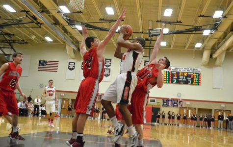 Boys basketball routs Barrington in close game