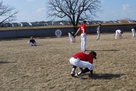 Members of the baseball team practice for their upcoming season (M.Krebs).