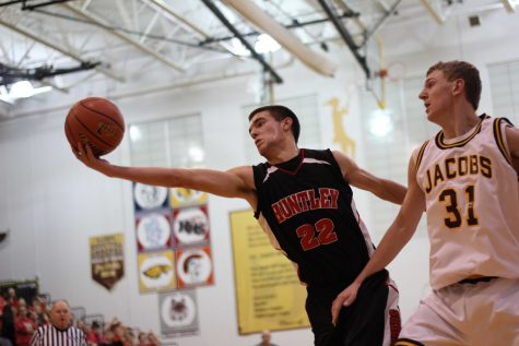 Huntley clips Golden Eagles' wings, beats Jacobs 46-39 on road