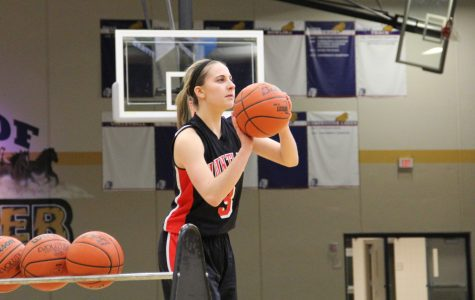 [BRIEF] Huntley duo drops bombs to advance in Three Point Showdown