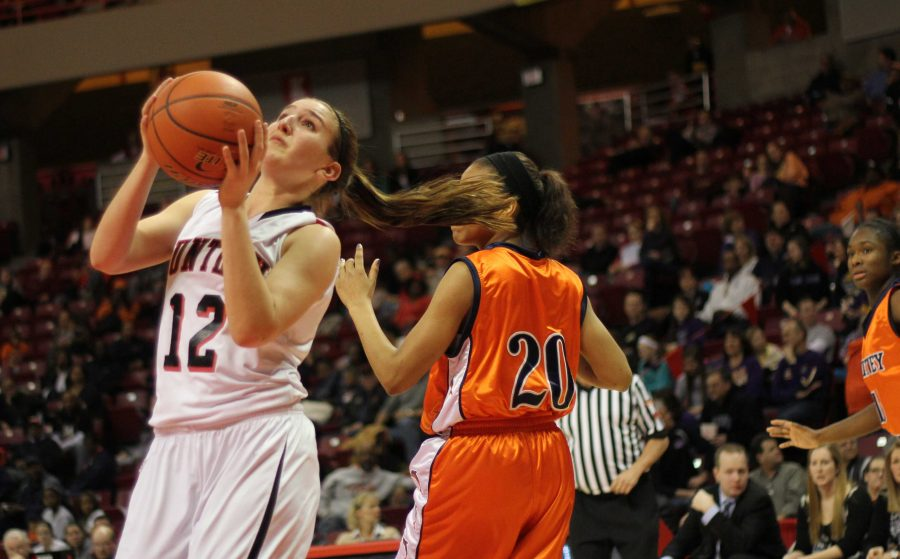 Whitney Young beats out Huntley for the Class 4A third place title
