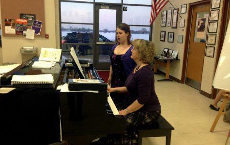 Bailey Kiley sings as her accompanist, Linda Mulcahy, plays piano (H. Baldacci).