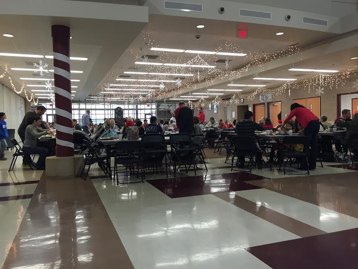 Marlowe middle school hosts a breakfast with Santa
