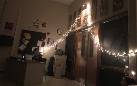 Choir room decorated for One Acts (M. Barr).