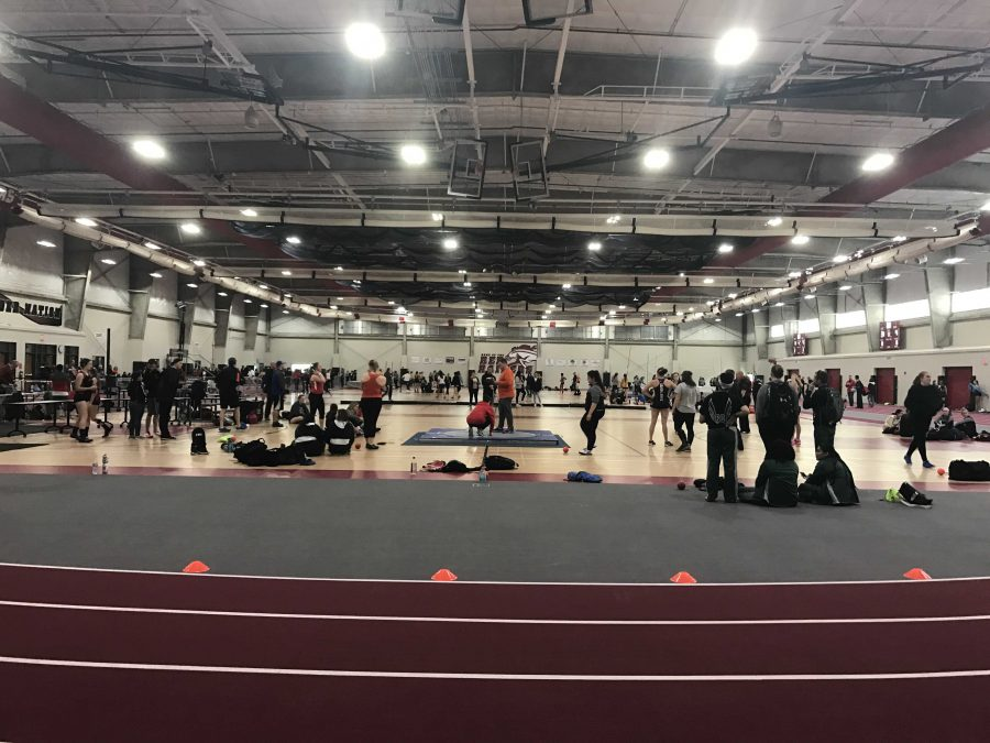 Huntley+High+School+girls+competed+in+their+second+meet+of+the+season+Tuesday+evening+%28M.+Barr%29.
