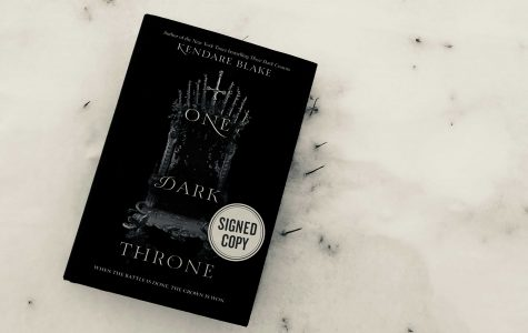 """""""One Dark Throne"""" fills the crave for a great fantasy book"""