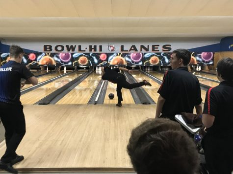 The Red Raiders' Boys Bowling Team Falls to St. Charles North