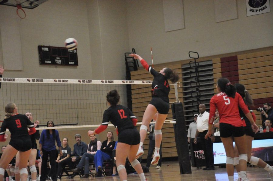 Volleyball Sectionals Semifinals Photographs, 10.29.18 - Sydney Laput