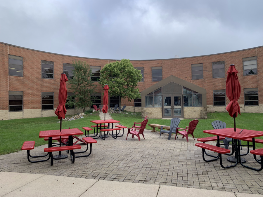 New outdoor seating for the 2019-2020 school year