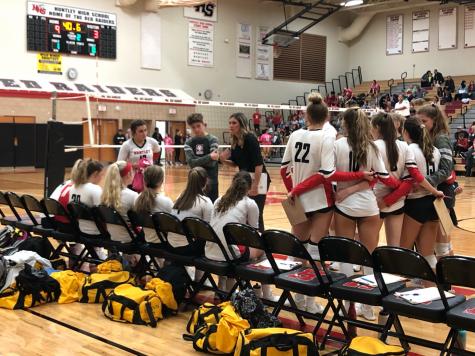 Raiders volleyball scores a win against the Golden Eagles