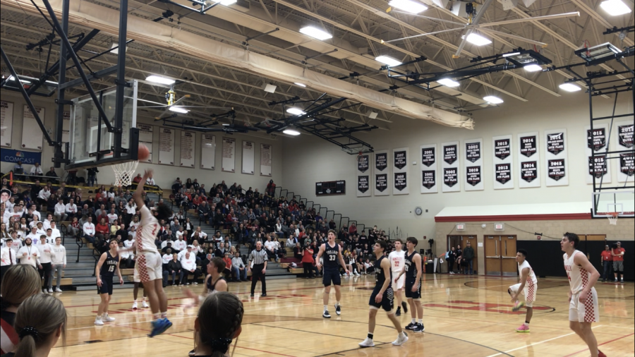 The Streak is Broken: Cary Grove vs. Huntley basketball game