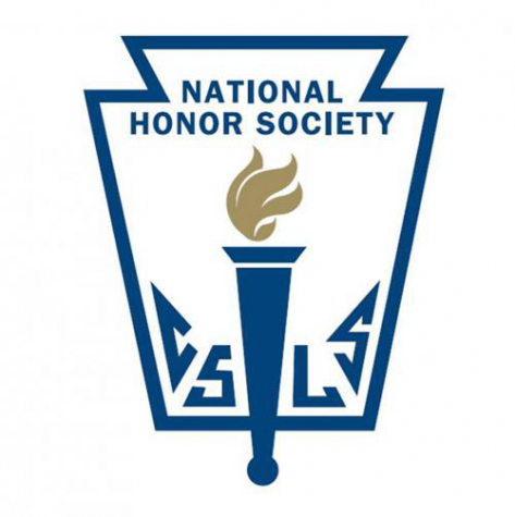 National Honors Society holds an informational meeting for current members