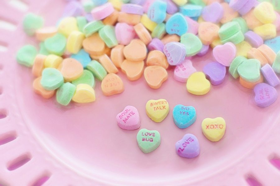 Cute ways to spend Valentine's day at home